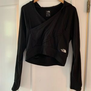 The North Face Tops - The North Face blk cross front crop top sz m